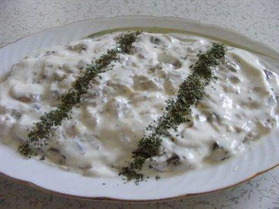 yogurtlu-kozlenmis-patlıcan-salatasi-tarifi