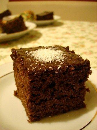 Karakız Tatlısı (Kakaolu-İrmikli Kek) Tarifi