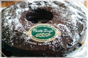 cikolata-soslu-tarcinli-kek-tarifi