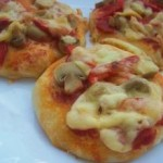 Ev  Yapımı Minik Pizza Tarifi