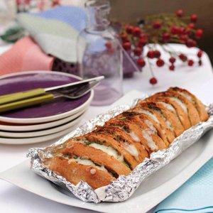 Semiz Otlu Kaşarlı Ekmek