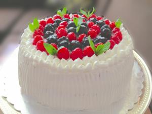 Böğürtlenli Pasta Tarifi