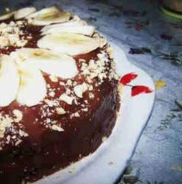 Bol Çikolatalı Muzlu Pasta