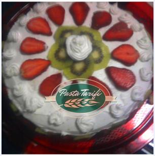 Meyveli Kolay Pasta Tarifi