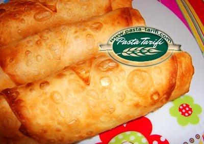 Sucuklu Peynirli Paçanga Böreği
