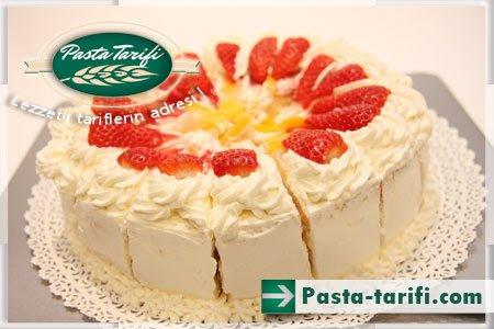Meyveli Pasta