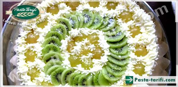 Pofidik Meyveli Pasta