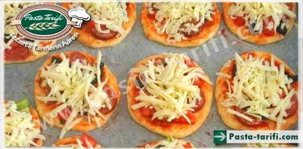 Minik Pizza Yapılışı