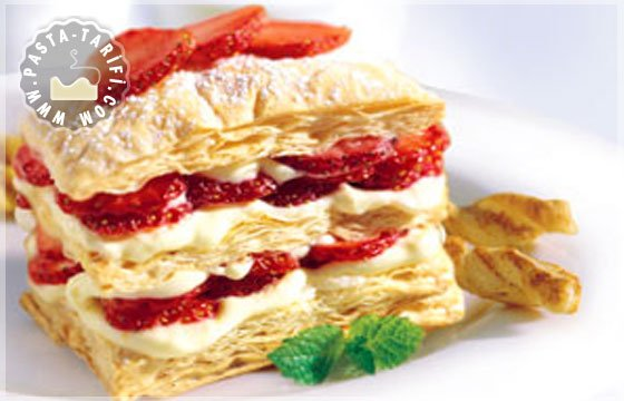Çilekli Milföy Pasta Tarifi