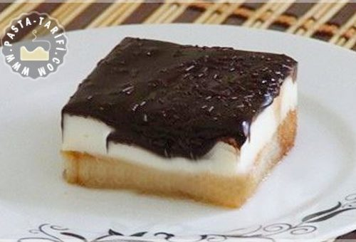 Etimek Tatlısı Çikolata Soslu