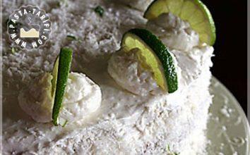 Meyveli Hindistan Cevizli Pasta