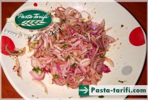 Mor Soğan Salatası Tarifi