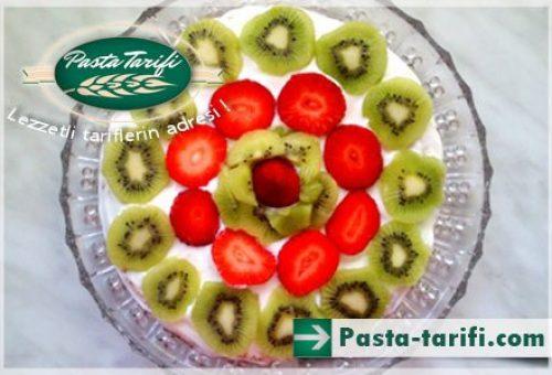 Pratik Meyveli Yaş Pasta