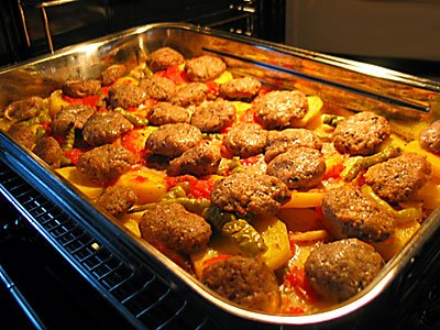 Fırında patetesli köfte tarifi